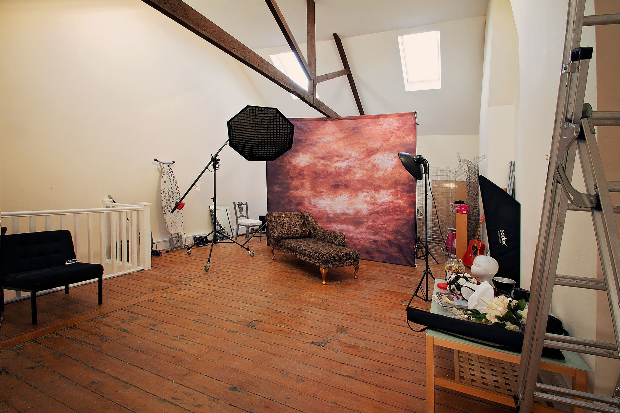 Studio_upstairs_backcloth_2