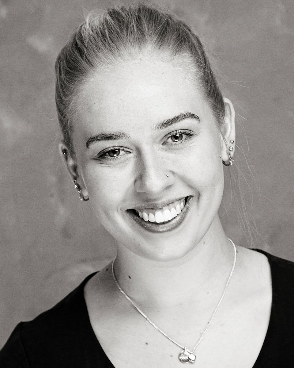 actor_headshot_mono_charlotte